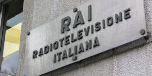 """""""IMPAR CONDICIO"""" - Manifestazione della Rosa nel Pugno davanti la sede regionale della RAI - (Trieste 20/03/2006)"""